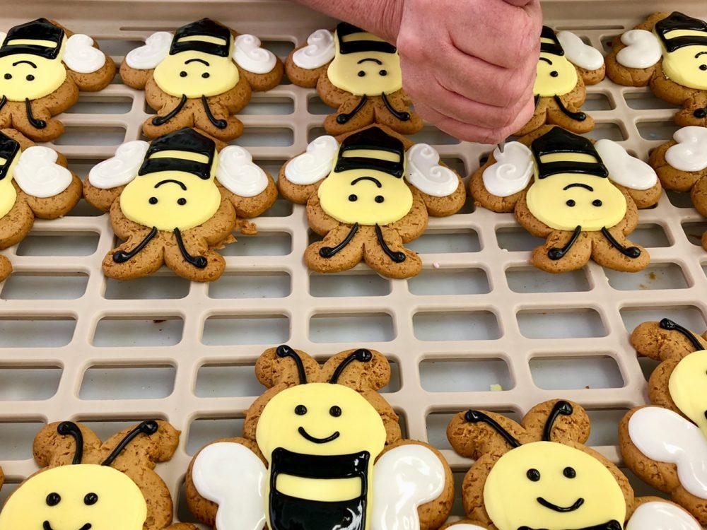 Bee decorating